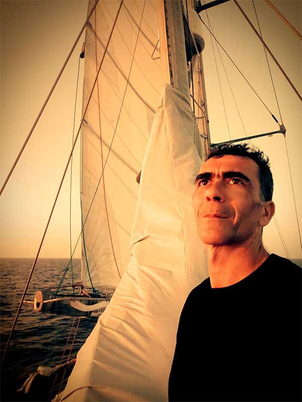 Christian Cailleaux en expédition à bord de la goélette scientifique Tara